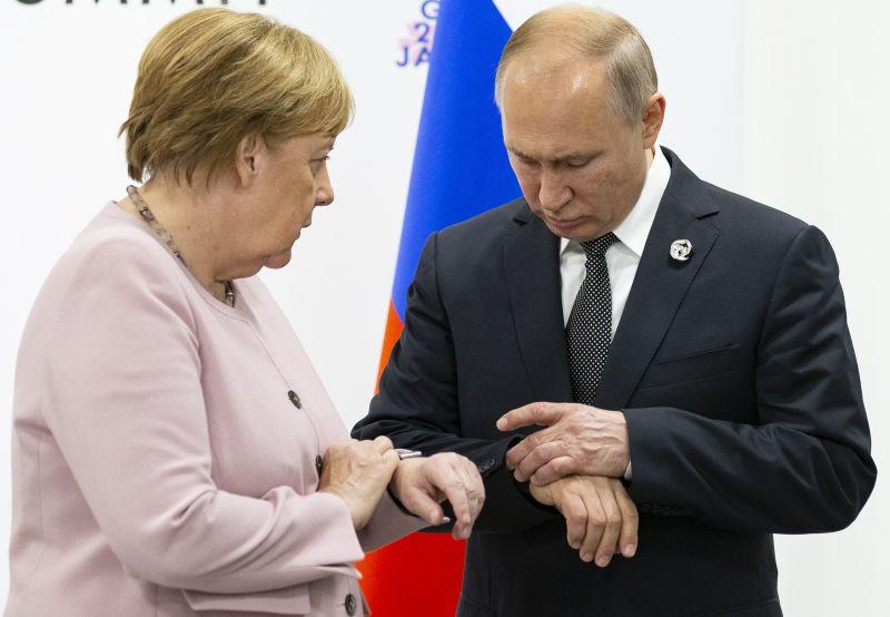 Ukrán válság: Merkel és Putyin egyeztetett a normandiai négyek tervezett újabb csúcstalálkozójáról