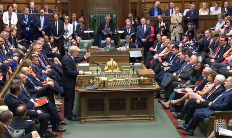 Úgy spájzolnak a britek, mintha nem a Brexit, hanem egy világháború jönne