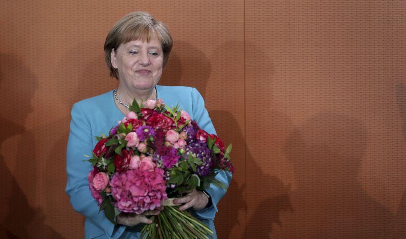 Merkel rendesen helyre tette a diktatúrát emlegető szélsőjobbost