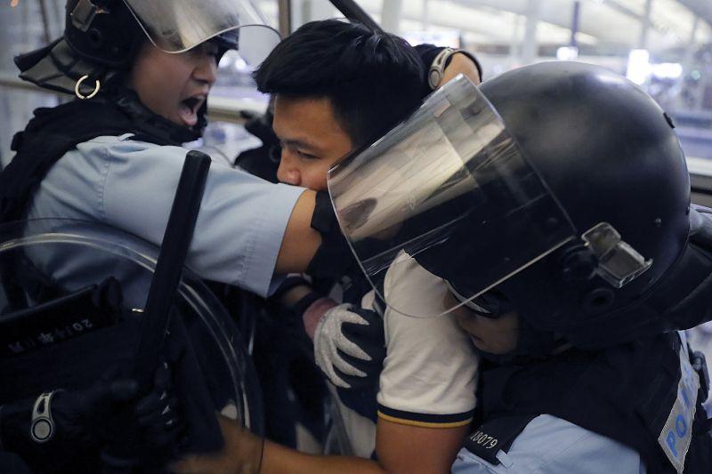 Terrorizmus vagy színes forradalom, ami Hong Kongban zajlik