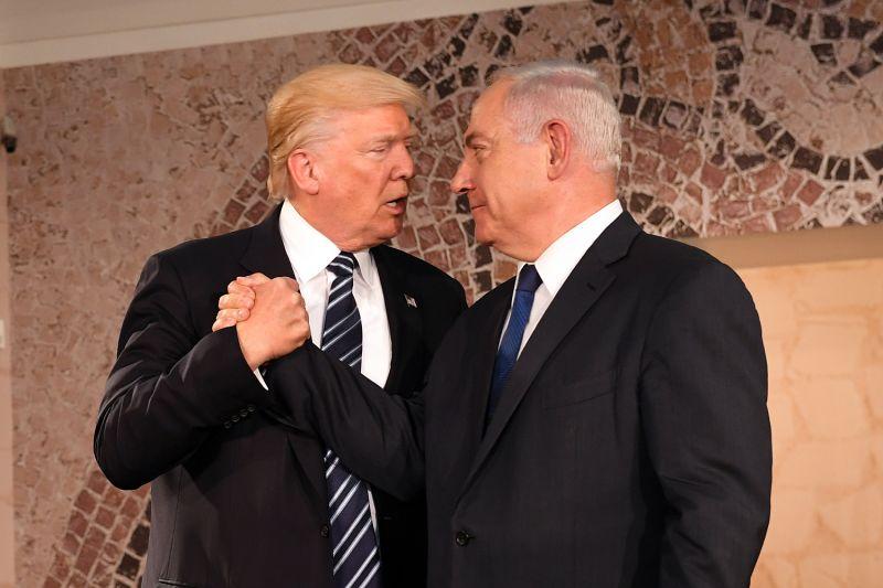 Izrael behódolt Trump Twitter üzeneteinek