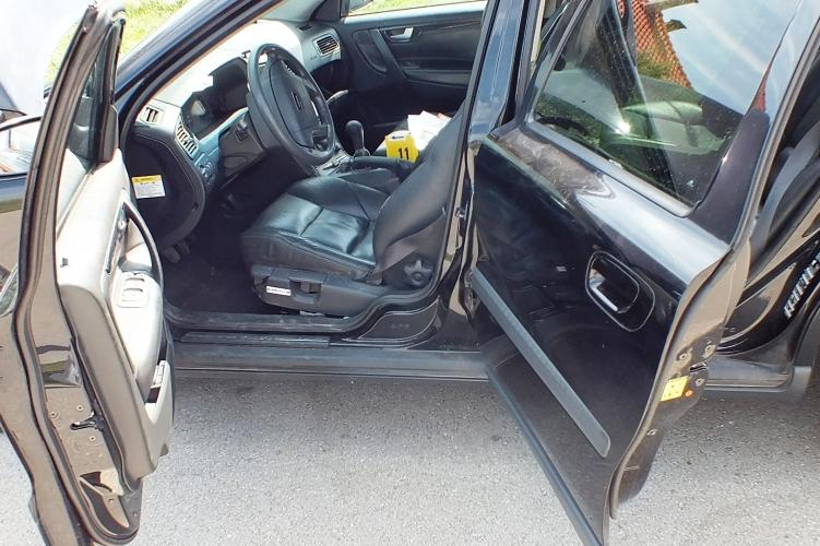 Az autótolvaj a saját háza előtt parkolt, miután eleget kocsikázott