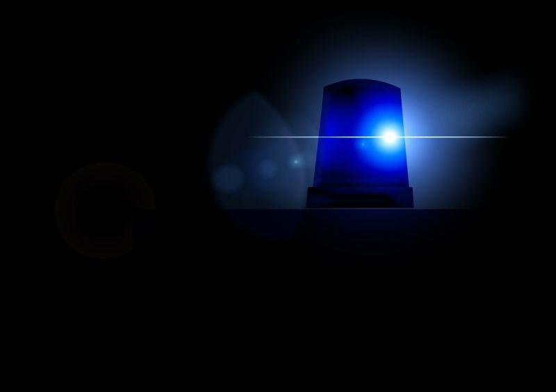 Meghalt egy ember: villanyoszlopnak csapódott egy autó Ásotthalomnál