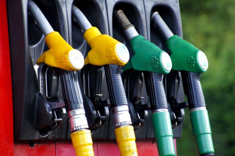A benzin ára csökkent, a gázolajé nőtt