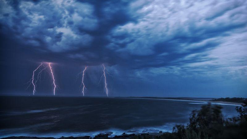 Veszélyes időjárás közelít – vészjelzés van érvényben