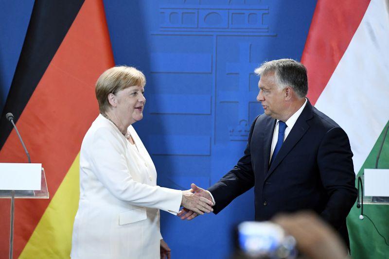 Merkel: az Orbán kormány jól fekteti be az EU-s pénzeket