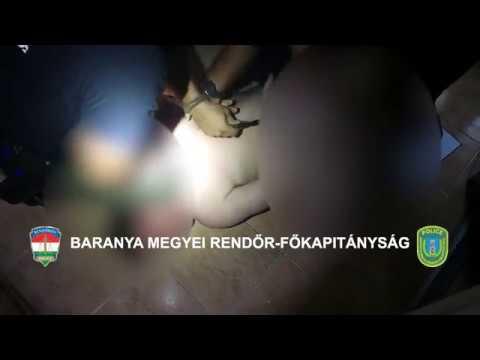 Így teperte le a földre három rendőr a mohácsi anyagyilkosság gyanúsítottját – videó