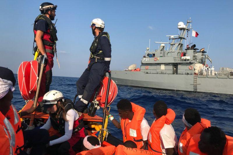 """""""Olaszország megadja magát az Európai Uniónak"""" – kiköthetnek a menekülthajók"""