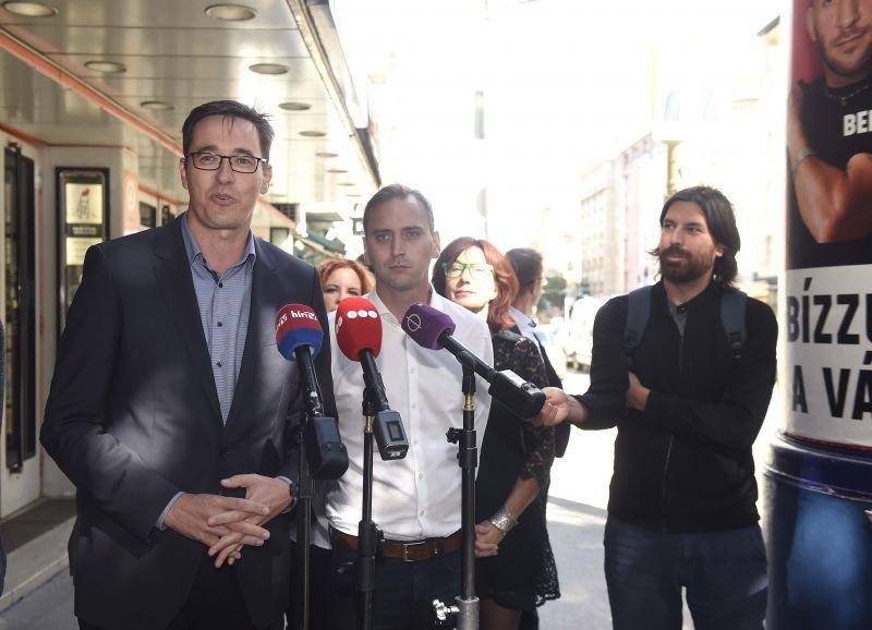 Ilyen a magyar jogállam: a kormány nyugodtan kampányolhat