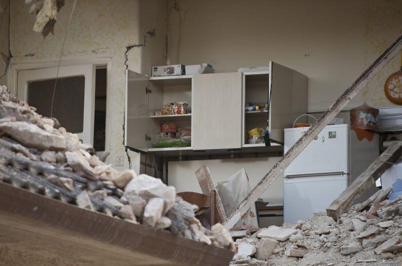 Erős földrengés sújtotta Kína délnyugati részét