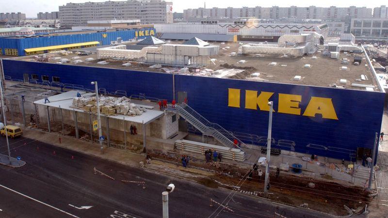 Vakvezető kutyájával együtt küldtek ki egy látássérültet a kutyabarát IKEA étterméből Budapesten