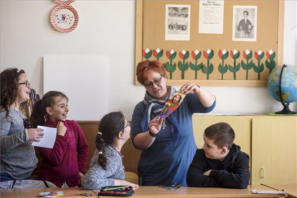 Központilag mérik fel a magyar gyerekek tápláltsági állapotát