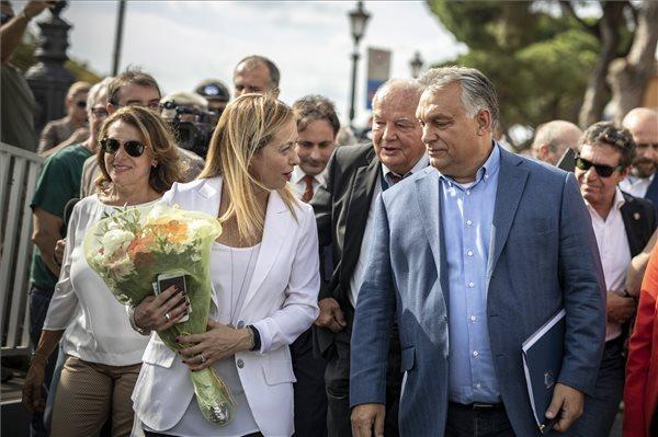 Földbe döngölte Orbánt az olasz külügyminiszter