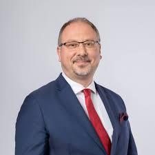 Hazatérésre biztatja honfitársait a londoni lengyel nagykövet