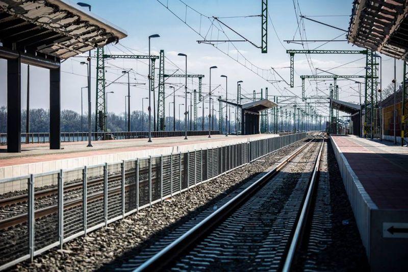 20 perccel a vonat lemondása után közölte a MÁV, hogy a vonat nem indul – kezd elesni a váci vonal