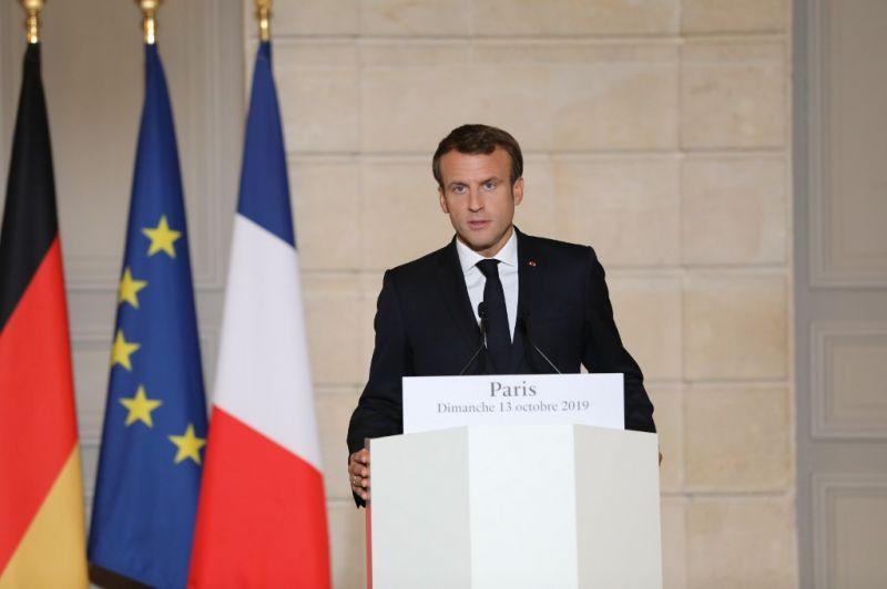 Macron: a török támadásnak azonnal le kell állnia