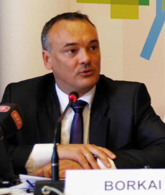 Ezt üzente az orgiázó győri polgármester – büntet a net