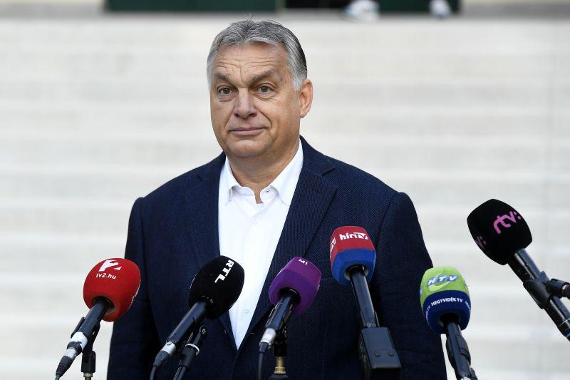 Orbán Viktor felszólal Balatonalmádiban