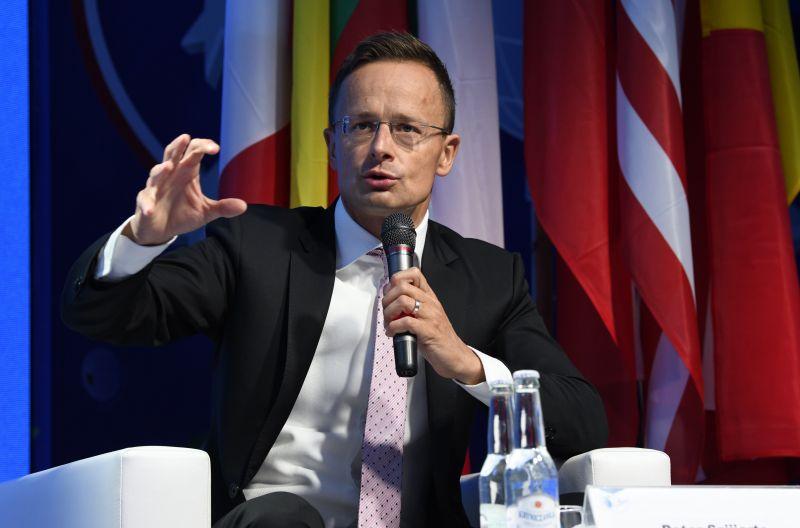 Szijjártót ötven TEK-es védi félmilliárd forintért