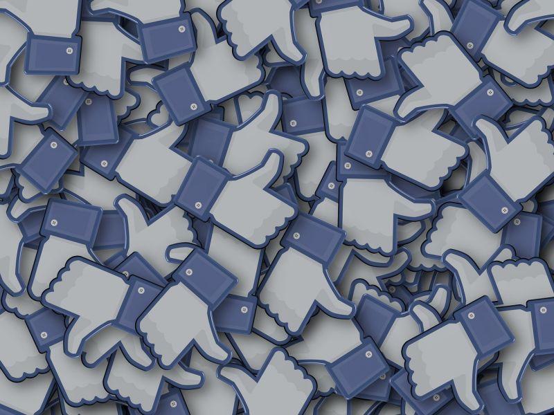 Felhasználók milliáárdjait törölte a Facebook