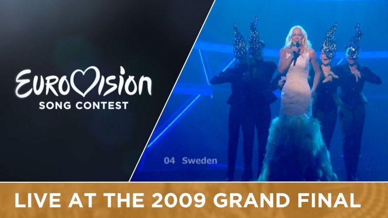 Ez a szőke asszony, aki az Eurovízión diszkóoperát énekelt, Greta Thunberg anyja