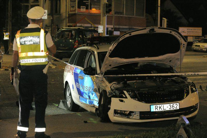 Rendőrautóval ütközött egy autós a XXII. kerületben