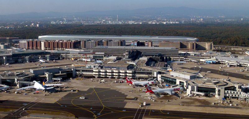 Karambolozott két repülőgép Frankfurtban