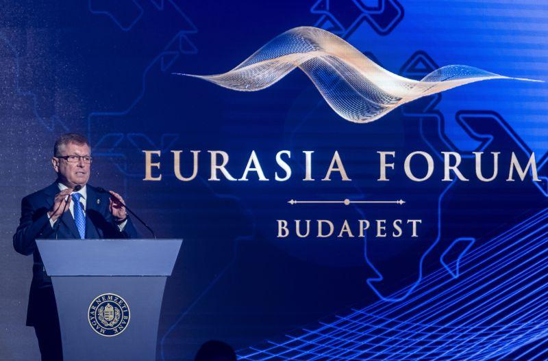 Matolcsy szerint az euró kitalálása és bevezetése hiba volt