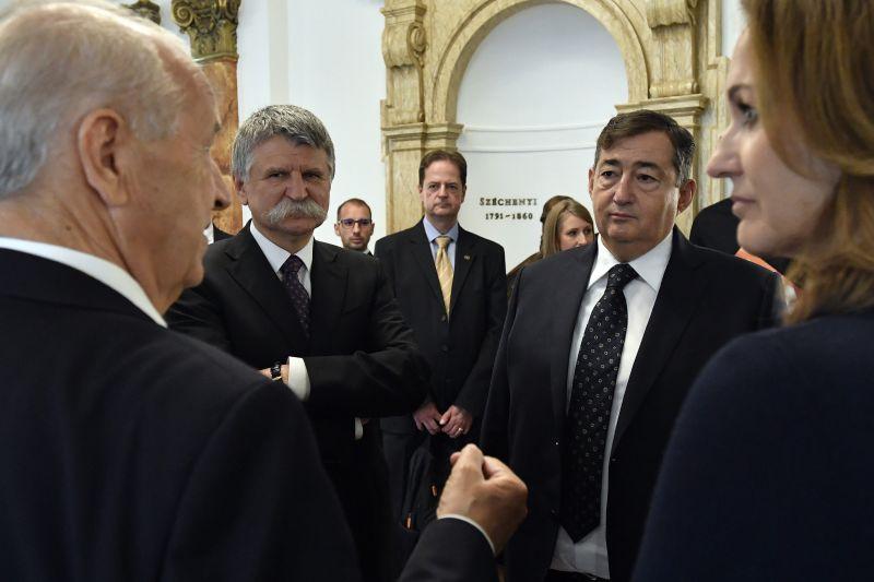 Orbán üzent Mészáros Lőrincnek: senki nincs biztonságban