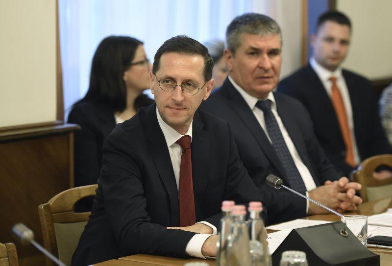 Új törvényekkel pörgetné fel a gazdaságot a pénzügyminisztérium