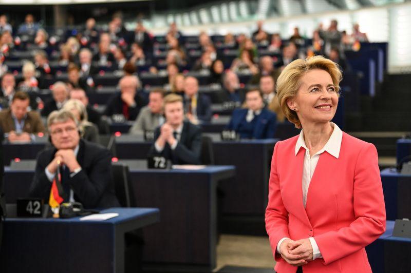 Immár hivatalos: vasárnaptól Ursula von der Leyen au EU első polgára