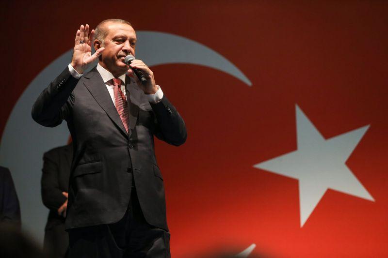 Ha itt lakik, a házából sem léphet ki Erdogan látogatása miatt