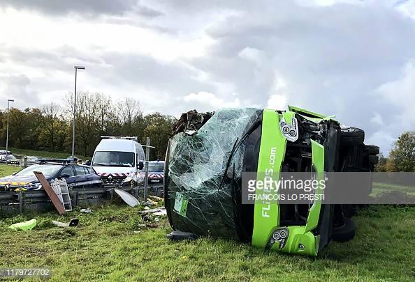 Hatalmas balesetet szenvedett egy Londonba tartó Flixbus