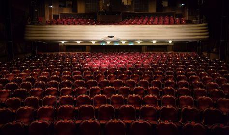 Nagyot csúsztat az EMMI, hogy védje a színházak államosítását