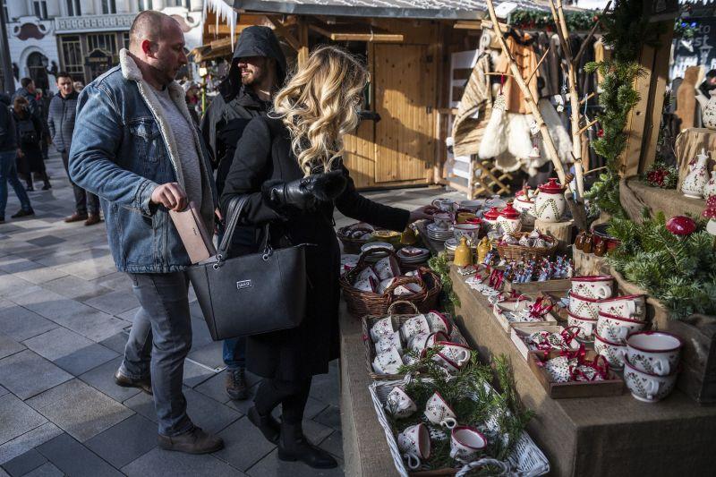 Jelentős erőket mozgósít a TEK a legnagyobb fővárosi adventi és karácsonyi vásárokra