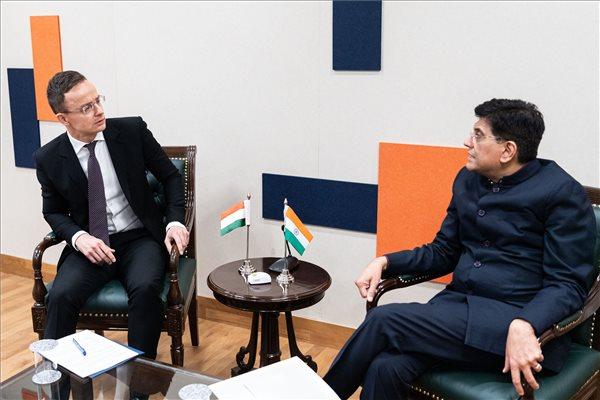 Szijjártó szerint óriási siker, hogy már indiai cégek is érkeznek Magyarországra