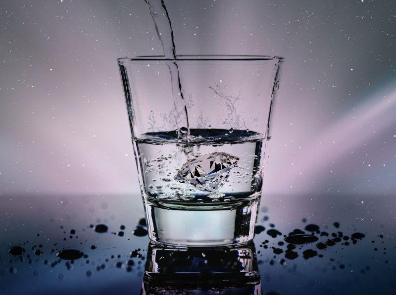 5+1 jel, hogy nem iszol elég vizet