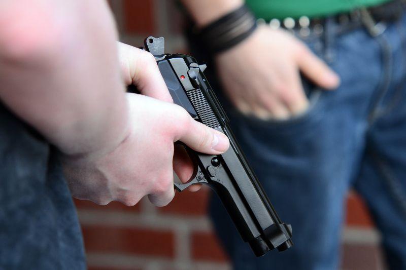 Autós üldözés és lövöldözés volt Pécsen
