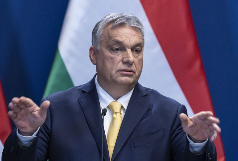 A Fidesz minden áron kitart a civilek vegzálása mellett
