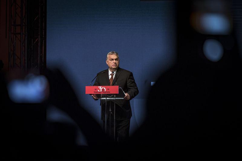 Nagy változás előtt a Fidesz – Habony Árpád újra a startvonalon