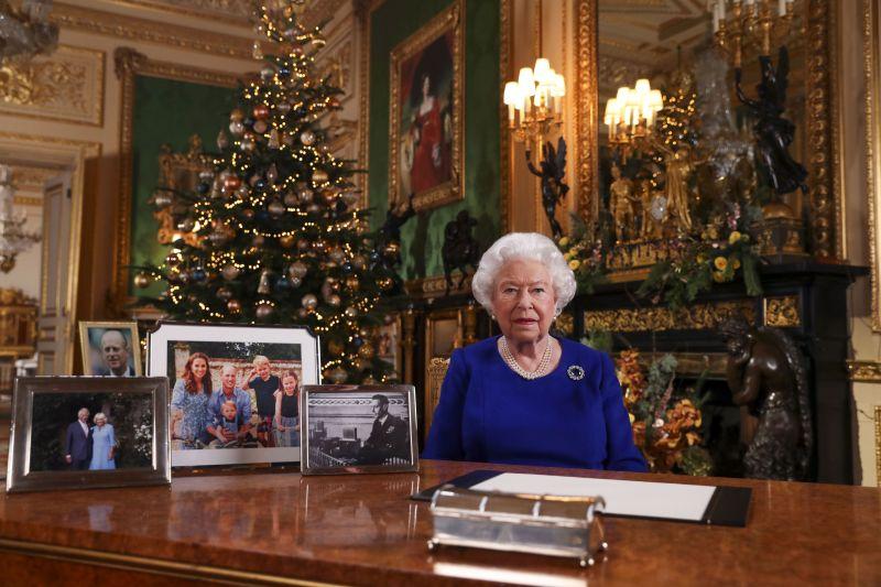 A királynő összehívta a családi kupaktanácsot