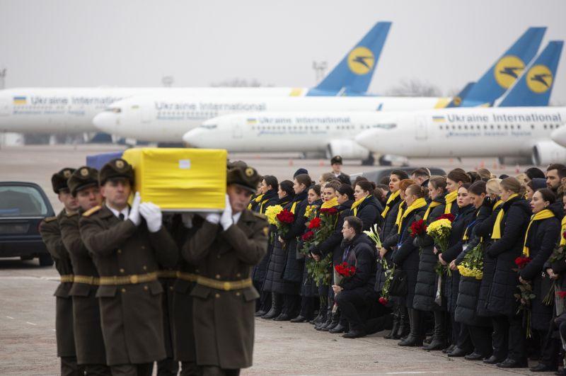 Ukrán utasszállító: Irán nem adja ki Kanadának a kettős állampolgárok holttesteit