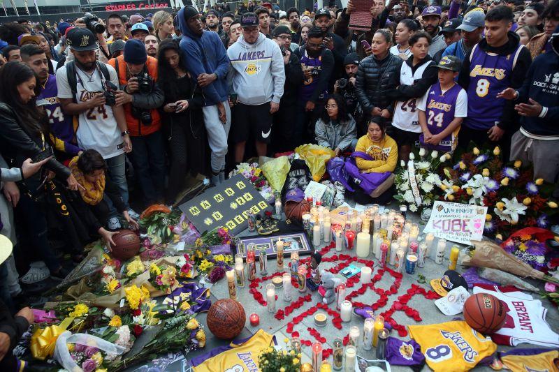 Helikopter-balesetben nyolcadmagával életét vesztette Kobe Bryant