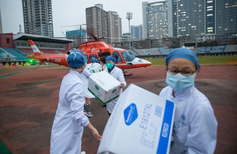 Koronavírus: Hong Kong karantént rendelt el