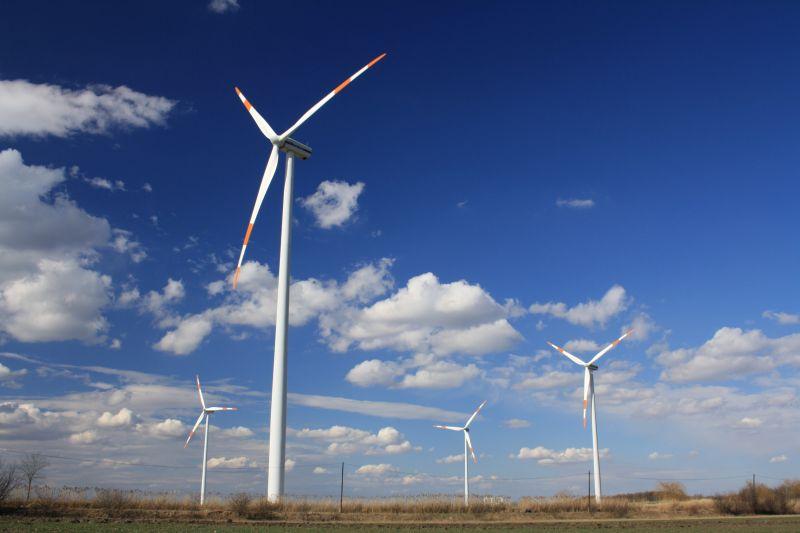 100 milliárd eurót ad Brüsszel a fenntartható energiaforrásokra való átállásra