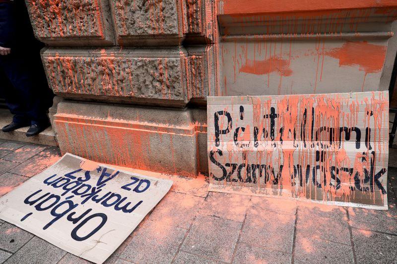 Kevesli Polt ügyészsége a civil tiltakozók büntetését