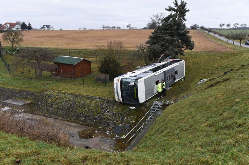 Gyerekek haltak bele a buszbalesetbe
