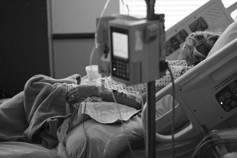 Közel kétszeresére nőhet a rákos betegek száma