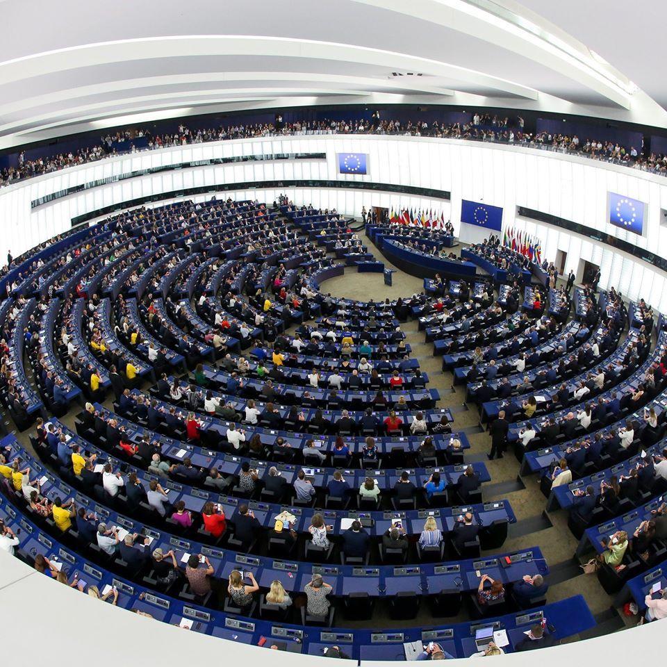 Az EP megszavazta a Magyarországot és Lengyelországot elmarasztaló állásfoglalását
