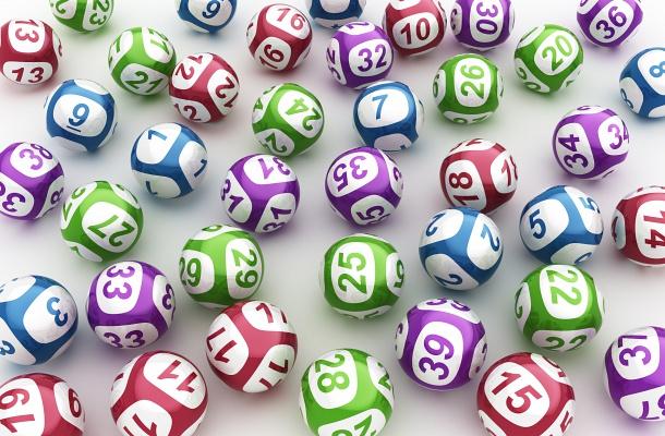 Kihúzták az ötös lottó nyerőszámait, 4 milliárd forint volt a tét